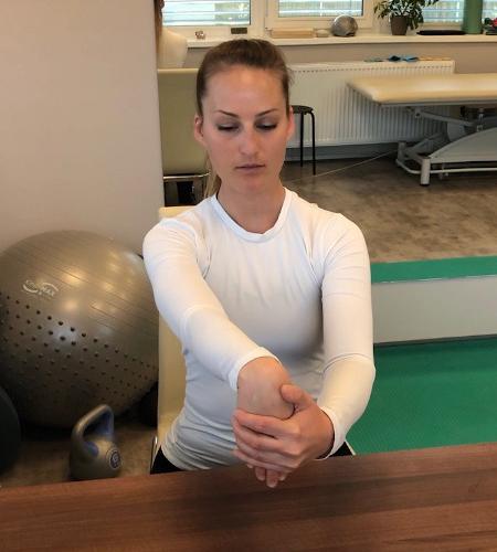 Protažení extenzorů zápěstí