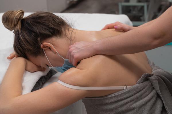 Těhotenská masáž Kinisi